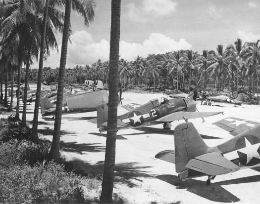 F6F-3_Hellcats_of_VF-40_at_Espiritu_Santo_1944